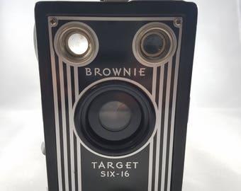 Brownie Target SIX-16 Camera