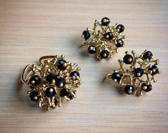 Set ring adjustable multiple earrings.