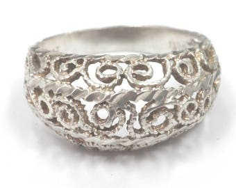 Stamped 925 Sterling Silver Vintage Ring Size 8 Weighs 3.6 Grams