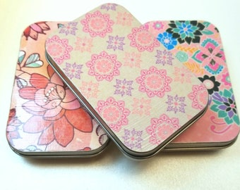 Large tin trio . . . Think pink.