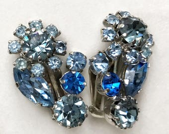 Vintage, blue, Austrian crystal earrings. 1950s. Something blue. Flower, bridal