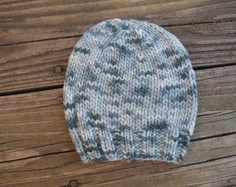 Baby Hat / Beanie Hand-Knitted in Merino Wool (newborn to three months size)