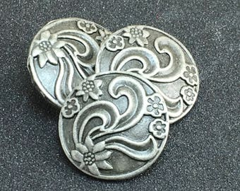 FLORAL LEAF  Embossed Unique Domed Gunmetal Dimensional Buttons  F31