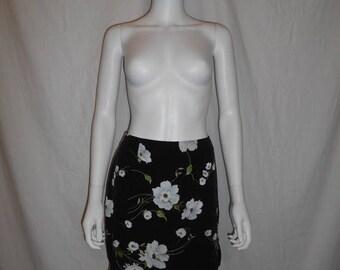 SALE 25% off SALE 90's floral short skirt