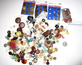 Vintage Buttons - Assorted Button Lot - Over 1 Pound of Buttons - Mostly from 1960s and 1970s