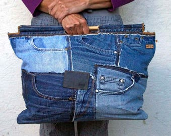 Recycled Jeans Bag - Jeans Tote Bag - Jeans Market Bag - Blue Jeans Shopper - 2 wooden Straps - Jeans Front Pockets