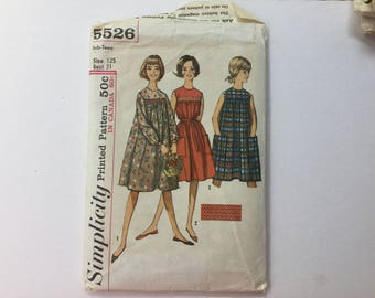 Vintage Simplicity 1960s Dress Pattern 5526 Size 12 young Junior  Teen