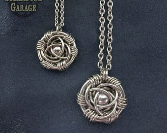Trinity Rose Pendant - Mirror Eye - Steel ball bearing center capture
