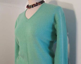 50s Vintage Mint green sweater 50s Jantzen sweater Kharafleece V neck 50s green vintage pullover S/ M