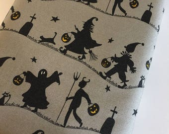 Halloween fabric, Hocus Pocus, Fabric Shoppe fabrics, Moda fabrics, Trick or Treat in gray Choose the cut