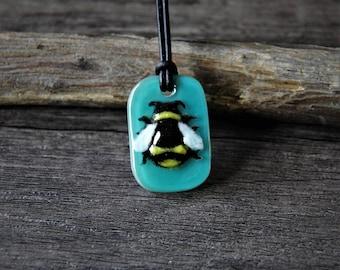 Bumble bee - bumblebee fused glass pendant