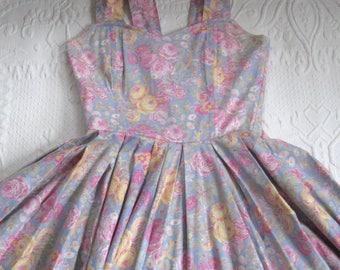Laura Ashley dress . vintage floral Dress . boned tea dress  . pink rose dress .  Laura Ashley . tea time dress