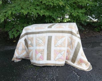 Antique Quilt Primitive Bedding Quilted Bedspread Quilt 60x84 Primitive Antiques Rustic Blanket French Country Wedding Picnic Tablecloth