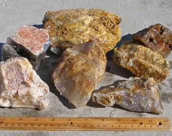 GB-682  Graveyard Point Plume Agate 7 Piece Box Lot