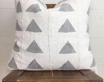 Authentic African mudcloth cream w/ large grey triangles / boho / modern / urban