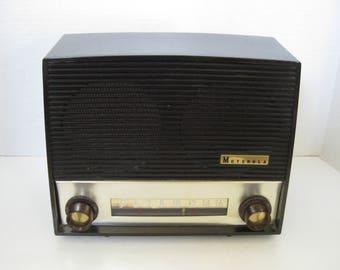 Vintage Motorola AM Tube Radio 64X Bakelite Plastic