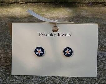 Tiny white and orange flower goose eggshell pysanky post earrings