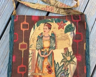 Frida bag red brown geometric