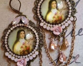 """Boucles """"Sainte Thérèse de Lisieux"""" rose opale"""