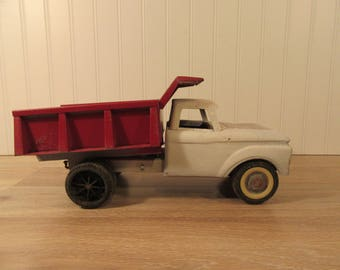 nylint red and white ford hydraulic dump truck repainted gift for toy collector