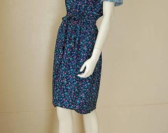 SALE 25% off sundays Prairie Dress Vintage 70s Dark Blue Calico Floral Prairie Boho Cotton Day Dress (s m)