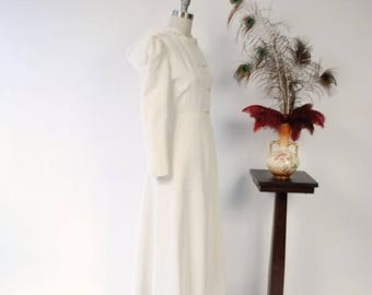 50% CLEARANCE Vintage 1940s Coat - Incredible Ivory Faille Hooded 40s Evening Coat with Double Breasted Closure