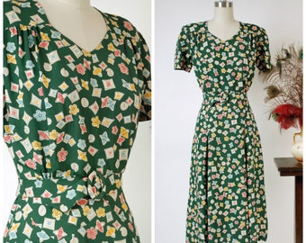RESERVED ON LAYAWAY Vintage 1940s Dress - Fantastic Printed Forest 40s Day Dress with Sweetheart Neckline and Cheerful Print