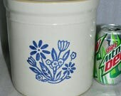 Western Stoneware USA Marked 1 Gallon Crock - Cobalt Blue Floral    Very CLEAN