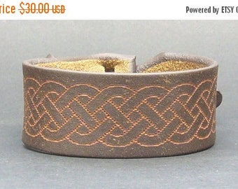 On Sale Ebony Brown Celtic Leather Cuff / Bracelet Nickle-Free/vegetable tanned leather Free shipping
