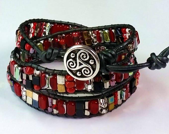 Red Triple Wrap Bracelet - Leather Wrap Bracelet - Red and Metal Hues Bracelet - Adjustable Bracelet - Triskele Button Closure