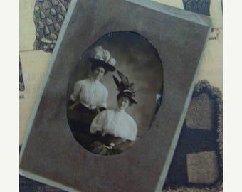 ONSALE Antique Haute Cabinet Photo Victorian Sisters