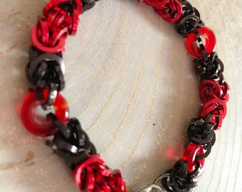 Black Red Glass Donut Chainmail Bracelet