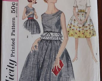 Simplicity 4757 Sixties Juniors Skirt and Blouse Size 12 Bust 32