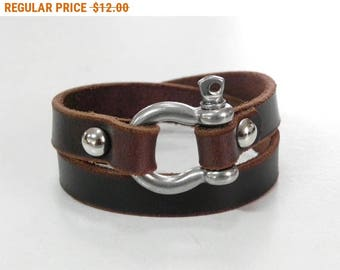 Brown Leather Bracelet Leather Cuff with Horse Shoe Steel Clasp