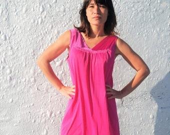 25% OFF SALE Vintage 1960s Vanity Fair Magenta Nightgown L/Xl