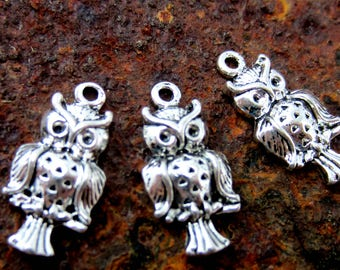 Silver owl charms 10 antique silver owl pendants 18mm x 9mm bird charms small silver bird charms DIY jewelry supply HP565 (AA2),
