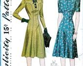 Sale:) 1940s Vintage Simplicity  Pattern 4067 //  UNCUT //  Misses' Figure Flattering  Dress with Laced Bodice // Size 18..bust 36