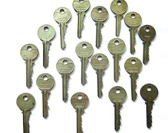 Key collection 18 keys Vintage stamping keys Antique keys DIY Stamping keys Old keys for stamping Blank keys Blank side Stampable BK A1 #23