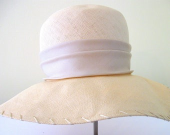 Vintage 1970's Lilly Dache, Bonwit Tell Beige Straw Picture Hat