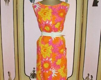 Summer Sale 20% Off Vintage 1960's Floral Print Day Dress by Holliday. UNWORN. Medium to Large.