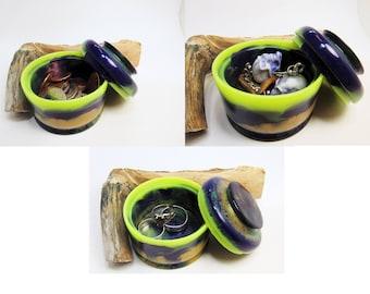Acrylic Small Box, Custom Color, Ring Box, Small Jewerly Box, Small Lidded Box, Keepsake Box, Acrylic Vessel, Small Acrylic Pot No 1