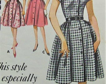 Vintage Dress Sewing Pattern  Butterick 2202 Size 10