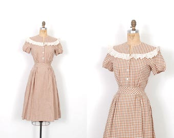 Vintage 1940s Dress / 40s Gingham Cotton Day Dress / Brown and White ( small S )