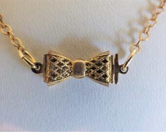 Vintage Brass Chain Necklace | Bow Tie Necklace | 1940's Bow Tie Chain Necklace | Ladies Necklace | Brass Chain Necklace