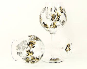 Hand-Painted CRYSTAL Anniversary Glasses Set of 4 - Gold and Black Roses - Personalized Wine Glass Gift Set 50th 25th Anniversary Gifts