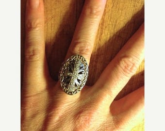 SUMMER SALE Jewelry. Vintage. Cross Rhinestone Silver Metal Ring  // Game of Thrones  Size  5 to 5.5