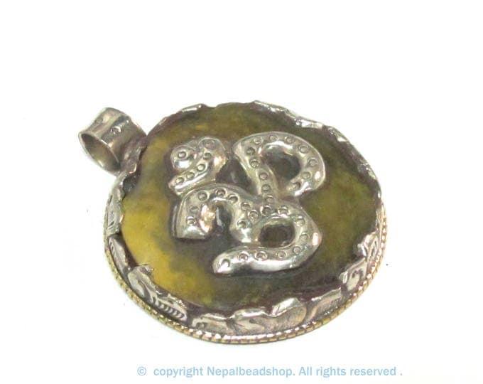 1 Pendant - Tibetan honey copal resin Om mantra pendant with reverse flower design  filigree - PM292H