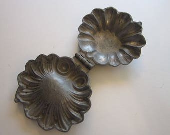 antique Schall ice cream mold - fancy shell mold # 524- Schall - S & Co mold, pewter mold, cast mold