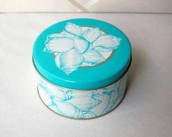 Vintage Canister, Benandre Shell Canister, Ben Rickert Tin, Collectible Bath Products Tin, Aqua Blue Seashells Bathroom Tin, Beachy Decor