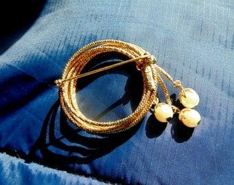NAPIER Brooch. Circle BROOCH. PIN. Rope. Lariat. Brooch. Napier. w/ 3 Dangle Pearl Drops